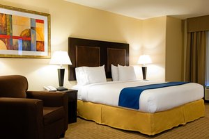Suite - Holiday Inn Express Hotel & Suites University Regina