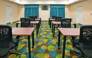 Meeting Facilities - Holiday Inn Express Hotel & Suites North Topeka