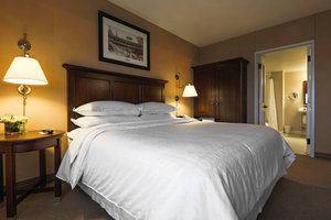 Suite - Sheraton Hotel Downtown Duluth