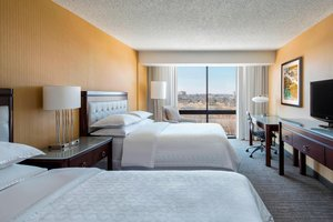 Room - Sheraton Hotel West Des Moines