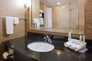 - Holiday Inn Express Hotel & Suites Medical Center Rochester