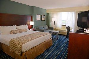 Room - Crowne Plaza Hotel Virginia Beach