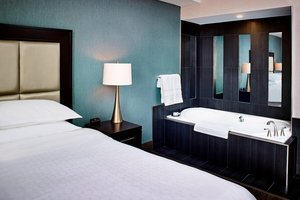 Suite - Sheraton Hotel Hamilton