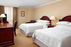 Room - Sheraton Parkway Hotel & Suites Richmond Hill