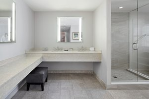 Suite - Sheraton Parkway Hotel & Suites Richmond Hill