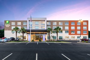 Exterior view - Holiday Inn Express Hotel & Suites Piedmont