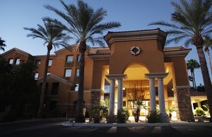 Exterior view - Holiday Inn Hotel & Suites Chandler