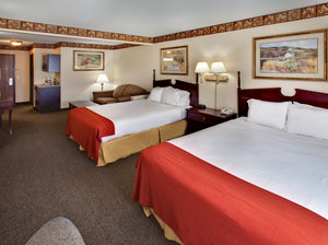 Suite - Holiday Inn Express Hotel & Suites Watertown