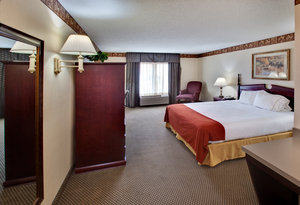 Room - Holiday Inn Express Hotel & Suites Watertown