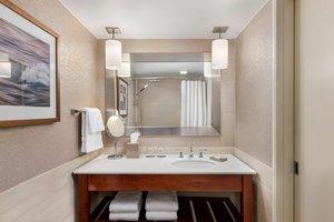 - Westin Bristol Place Hotel Airport Toronto