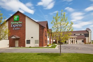 Exterior view - Holiday Inn Express Hotel & Suites Watertown