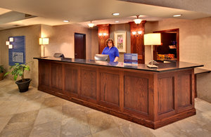 Lobby - Holiday Inn Express Hotel & Suites Watertown