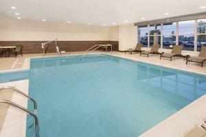 Pool - Holiday Inn Express Hotel & Suites Sandusky