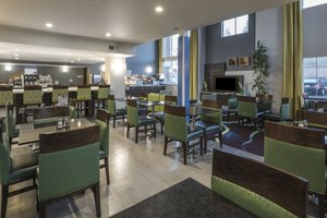 Lobby - Holiday Inn Express Hotel & Suites Livermore