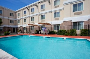 Pool - Holiday Inn Express Hotel & Suites Livermore