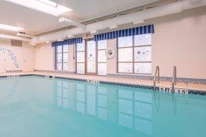 Pool - Holiday Inn Express Cambridge