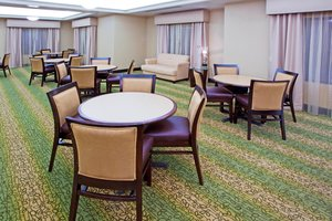 Restaurant - Holiday Inn Express Hotel & Suites Chestertown