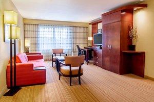 Suite - Courtyard by Marriott Hotel Keenland Lexington
