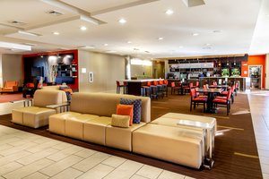 Lobby - Courtyard by Marriott Hotel Keenland Lexington