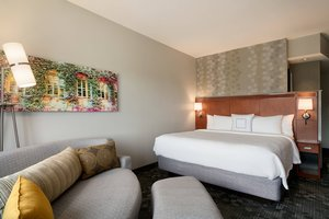 Room - Courtyard by Marriott Hotel Ewing