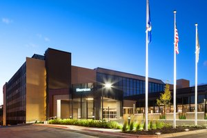 Exterior view - Sheraton Hotel Bloomington