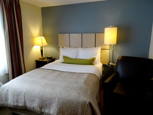 Room - Candlewood Suites Burlington