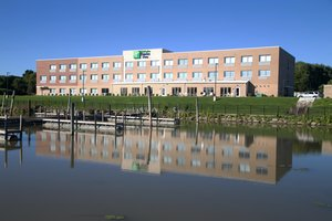 Exterior view - Holiday Inn Express Hotel & Suites Port Huron