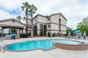 Pool - Holiday Inn Express Hotel & Suites Lake Charles