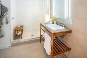 Room - Sarasota Modern Hotel