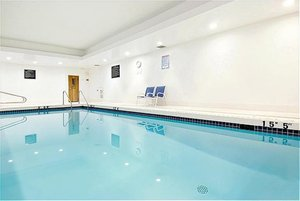 Pool - Holiday Inn Express Hotel & Suites Surrey