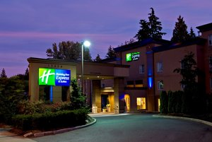 Exterior view - Holiday Inn Express Hotel & Suites Surrey