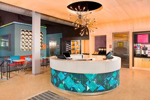 Lobby - Aloft Hotel Beachwood