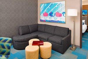Room - Aloft Hotel Beachwood