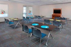 Meeting Facilities - Aloft Hotel Beachwood