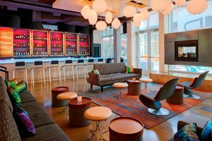 Restaurant - Aloft Hotel Westerville