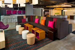 Bar - Aloft Hotel Brickell Miami