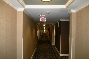 Lobby - Holiday Inn North Macon
