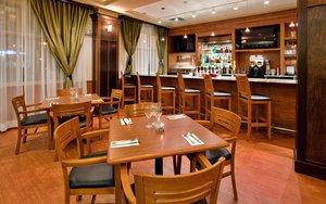 Bar - Holiday Inn Hotel & Suites Kamloops