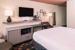 Room - Holiday Inn Auburn