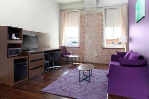 Suite - Fairfield Inn & Suites by Marriott Downtown Dallas