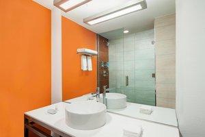 - Aloft Hotel Dadeland Miami
