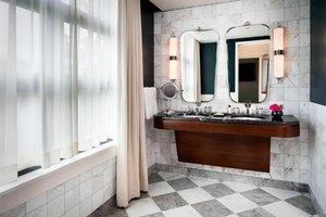 Suite - Perry Lane Hotel Savannah