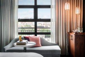 Room - Perry Lane Hotel Savannah