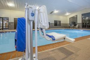 Pool - Holiday Inn Express Berea