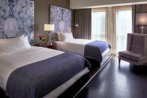 Room - Fontaine Hotel Kansas City