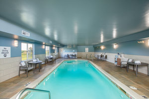 Pool - Holiday Inn Express Hotel & Suites Altoona
