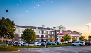 Exterior view - Holiday Inn Express Hotel & Suites Altoona