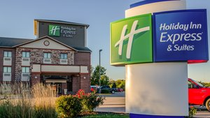 Exterior view - Holiday Inn Express Hotel & Suites South Olathe