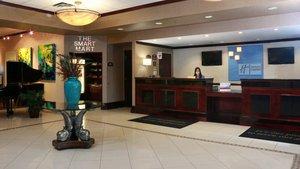 Lobby - Holiday Inn Express Stony Brook Centereach