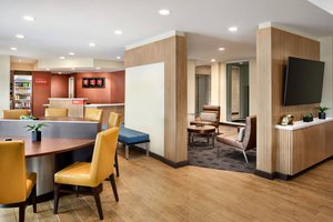Lobby - TownePlace Suites by Marriott Grafton